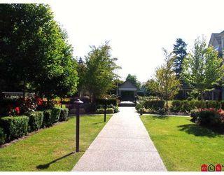 "Photo 2: 104 2167 152ND Street in Surrey: Sunnyside Park Surrey Condo for sale in ""MUIRFIELD GARDENS"" (South Surrey White Rock)  : MLS®# F2822667"