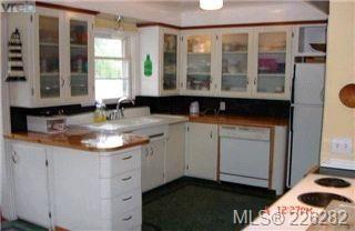 Photo 4:  in VICTORIA: OB Henderson House for sale (Oak Bay)  : MLS®# 423611