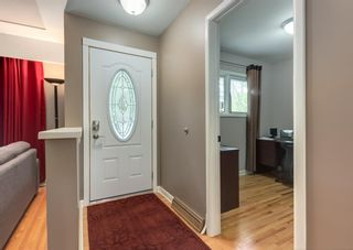 Photo 2: 2312 Sumac Road NW in Calgary: West Hillhurst Detached for sale : MLS®# A1127548