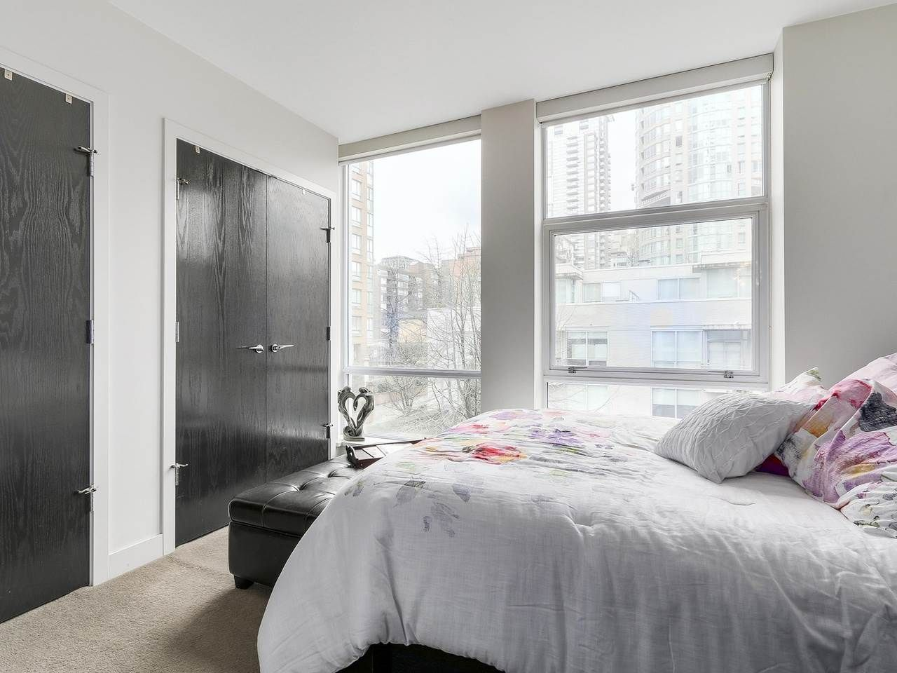 Photo 16: Photos: 401 1455 HOWE STREET in Vancouver: Yaletown Condo for sale (Vancouver West)  : MLS®# R2145939