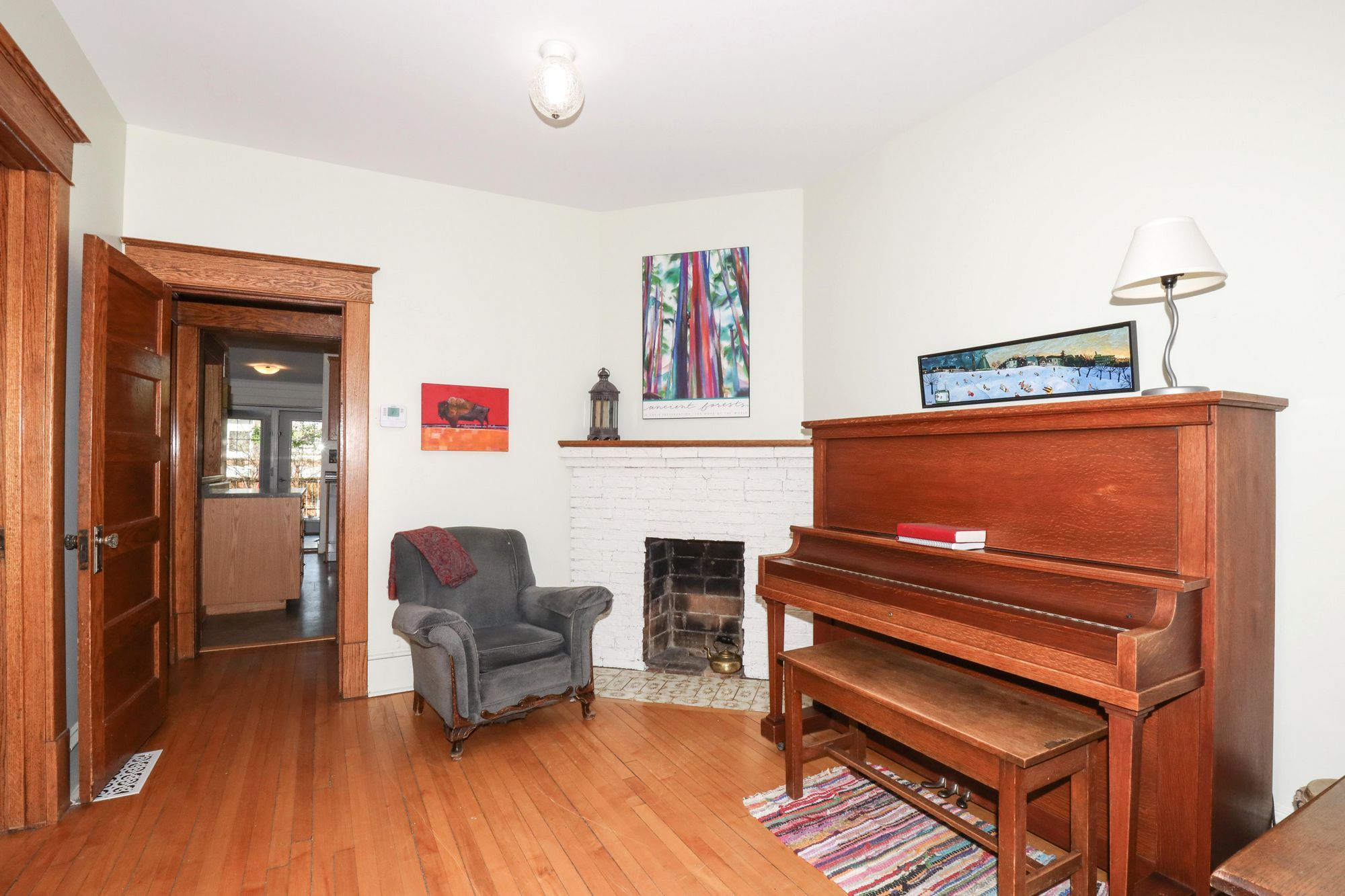 Photo 4: Photos: 110 Lipton in Winnipeg: Wolseley Single Family Detached for sale (5B)  : MLS®# 202111593