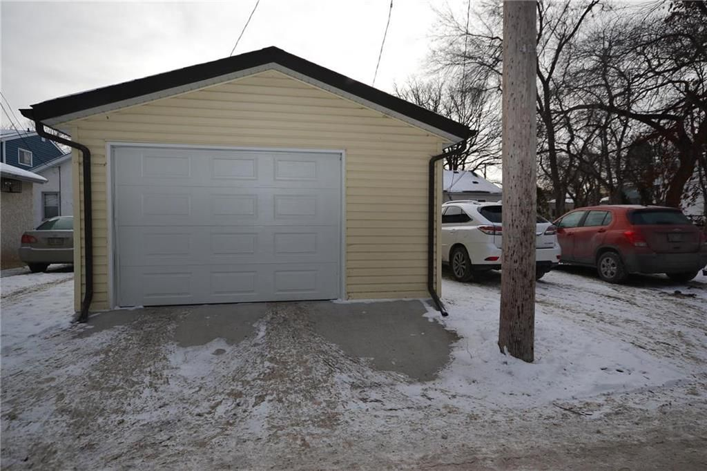 Photo 15: Photos: 245 Dumoulin Street in Winnipeg: St Boniface Residential for sale (2A)  : MLS®# 202000469