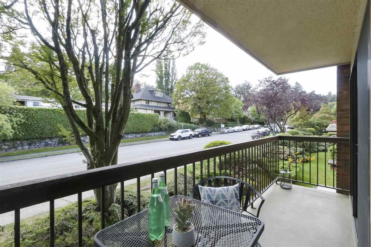 Photo 12: Photos: 215 1235 W 15TH AVENUE in Vancouver: Fairview VW Condo for sale (Vancouver West)  : MLS®# R2404476