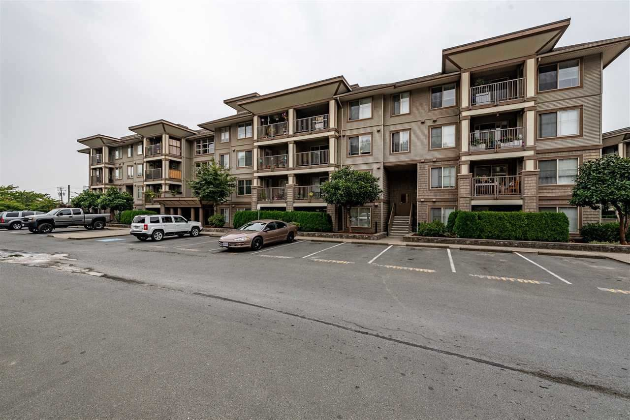 """Main Photo: 208 45561 YALE Road in Chilliwack: Chilliwack W Young-Well Condo for sale in """"VIBE"""" : MLS®# R2538899"""