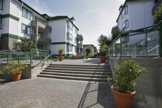 Photo 18: 405 1575 BEST STREET: White Rock Condo for sale (South Surrey White Rock)  : MLS®# R2032421