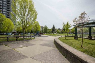 """Photo 14: 1106 5189 GASTON Street in Vancouver: Collingwood VE Condo for sale in """"The MacGregor"""" (Vancouver East)  : MLS®# R2369117"""