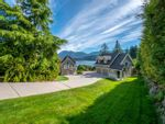 Main Photo: 6560 N GALE Avenue in Sechelt: Sechelt District House for sale (Sunshine Coast)  : MLS®# R2541761