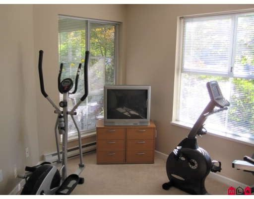 "Photo 8: Photos: 110 20110 MICHAUD Crescent in Langley: Langley City Condo for sale in ""Regency Terrace"" : MLS®# F2921008"