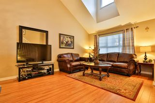 Photo 2: 104 16995 64 AVENUE in Surrey: Cloverdale BC Townhouse for sale (Cloverdale)  : MLS®# R2240642