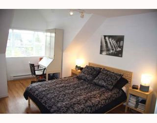 Photo 7: 2210 ST GEORGE Street in Vancouver: Mount Pleasant VE Townhouse for sale (Vancouver East)  : MLS®# V783723