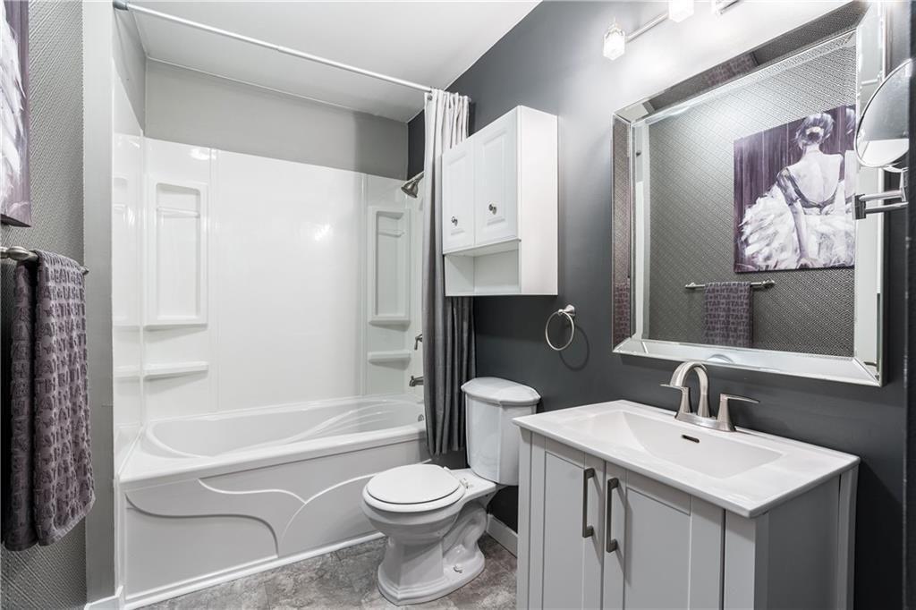 Photo 16: Photos: 1007 2520 PALLISER DR SW in Calgary: Oakridge Row/Townhouse for sale : MLS®# C4297041