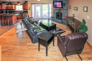 Photo 3: 37 10th Avenue Northeast in Swift Current: North East Residential for sale : MLS®# SK859956