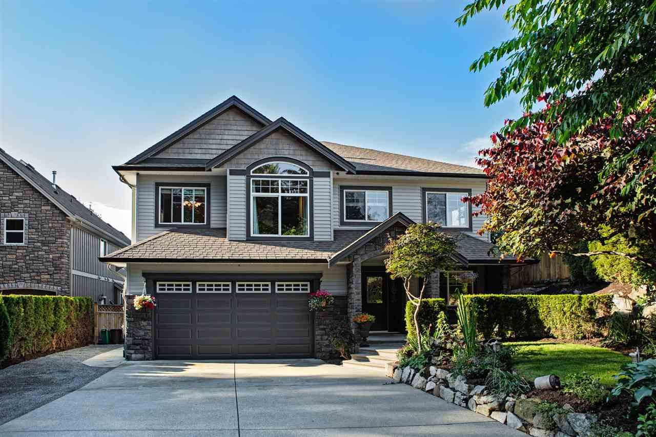 Main Photo: 8550 DOERKSEN Drive in Mission: Mission BC House for sale : MLS®# R2084390