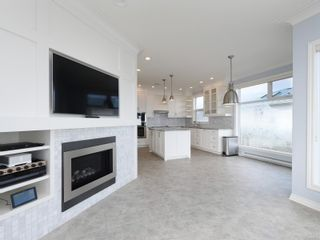 Photo 6: 204 9730 Eastview Dr in : Si Sidney South-East Condo for sale (Sidney)  : MLS®# 869965