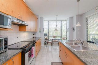 """Photo 7: 204 1580 MARTIN Street in Surrey: White Rock Condo for sale in """"Sussex House"""" (South Surrey White Rock)  : MLS®# R2357775"""