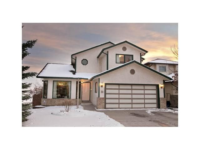 Main Photo: 51 SUN HARBOUR Close SE in CALGARY: Sundance Residential Detached Single Family for sale (Calgary)  : MLS®# C3546321