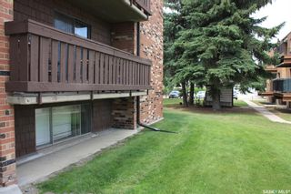 Photo 3: 105 143 St Lawrence Court in Saskatoon: River Heights SA Residential for sale : MLS®# SK863702