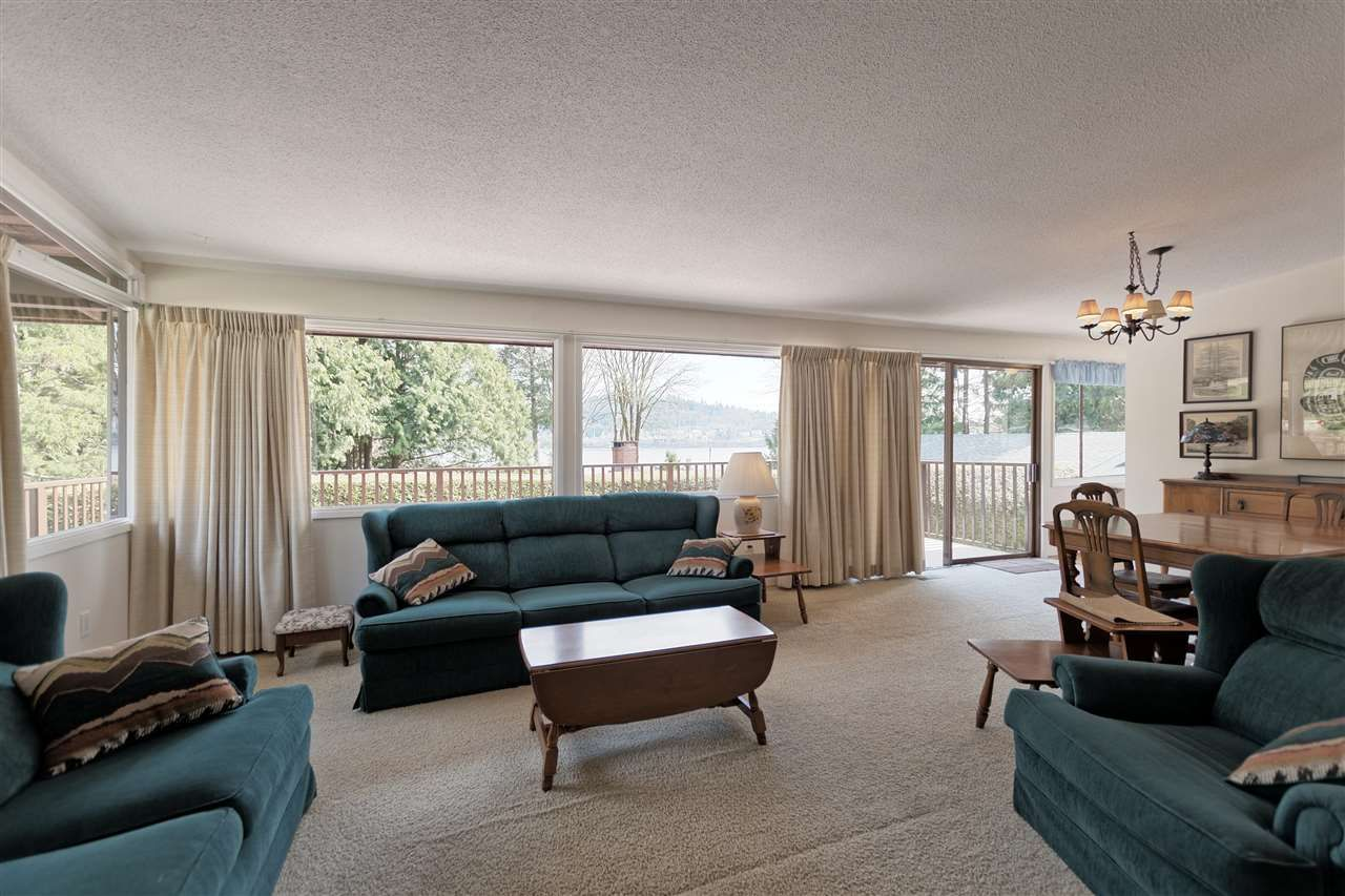 Photo 4: Photos: 2923 EDDYSTONE Crescent in North Vancouver: Windsor Park NV House for sale : MLS®# R2253154