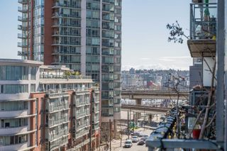 """Photo 4: 511 555 ABBOTT Street in Vancouver: Downtown VW Condo for sale in """"PARIS PLACE"""" (Vancouver West)  : MLS®# R2595361"""