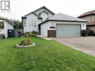 Photo 2: 106 Mackay Crescent in Hinton: House for sale : MLS®# A1142460