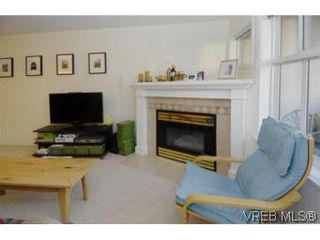 Photo 14: 301 1580 Christmas Ave in VICTORIA: SE Mt Tolmie Condo for sale (Saanich East)  : MLS®# 489978