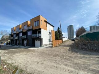 Photo 6: 3351 Spruce Drive SW in Calgary: Spruce Cliff Detached for sale : MLS®# A1103198