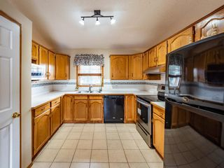Photo 12: 29 Somerset Gate SW in Calgary: Somerset Detached for sale : MLS®# A1123677