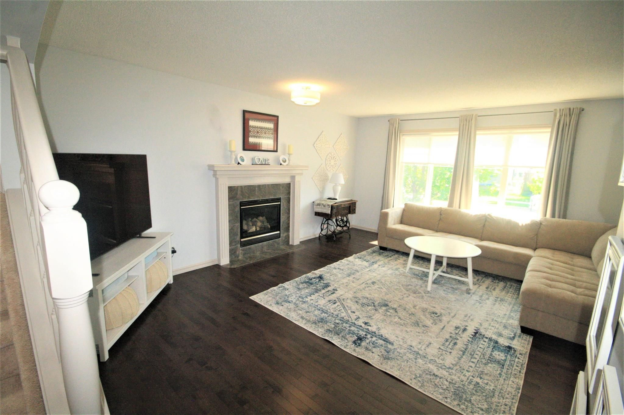 Main Photo: 1142 36A Avenue in Edmonton: Zone 30 House for sale : MLS®# E4250623