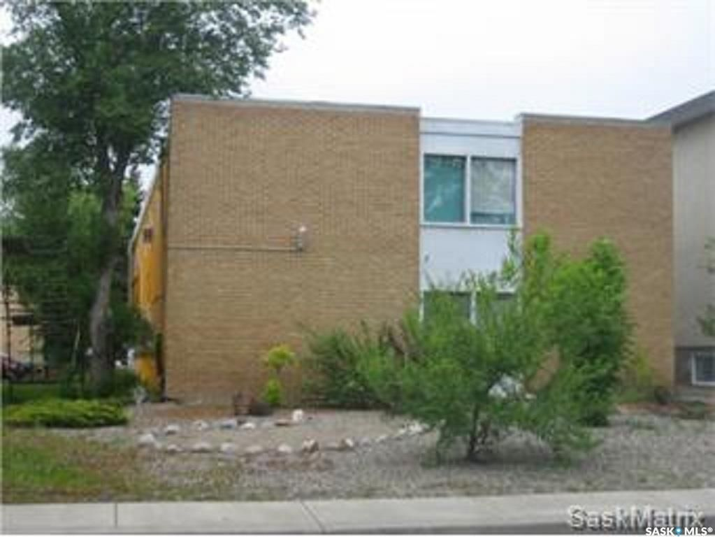 Main Photo: 3210 WESTGATE Avenue in Regina: Lakeview RG Multi-Family for sale : MLS®# SK871840