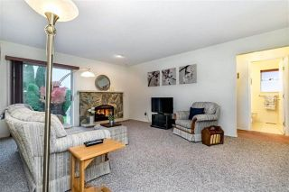 """Photo 11: 1858 WALNUT Crescent in Coquitlam: Central Coquitlam House for sale in """"LAURENTIAN HEIGHTS"""" : MLS®# R2334378"""