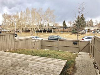 Photo 2: 6 3809 45 Street SW in Calgary: Glenbrook Row/Townhouse for sale : MLS®# C4243277