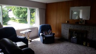 """Photo 2: 15137 PHEASANT Drive in Surrey: Bolivar Heights House for sale in """"birdland"""" (North Surrey)  : MLS®# R2076526"""