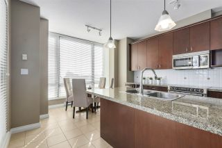"""Photo 7: 301 1550 MARTIN Street: White Rock Condo for sale in """"Sussex House"""" (South Surrey White Rock)  : MLS®# R2309200"""