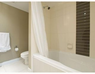 Photo 9: 406-160 West 3rd Street in North Vancouver: Lower Lonsdale Condo for sale : MLS®# V790001