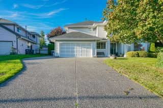 Photo 2: 16197 90A Avenue in Surrey: Fleetwood Tynehead House for sale : MLS®# R2617478