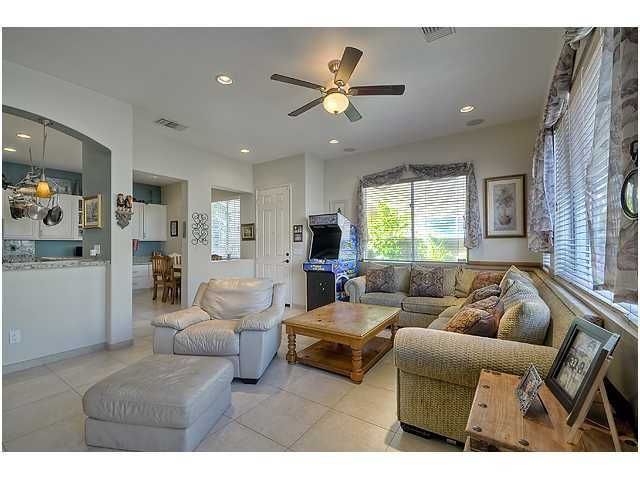 Photo 6: Photos: SCRIPPS RANCH Townhouse for sale : 3 bedrooms : 11821 Miro Circle in San Diego