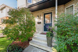Photo 2: 8834 94 Street in Edmonton: Zone 18 House Half Duplex for sale : MLS®# E4264201