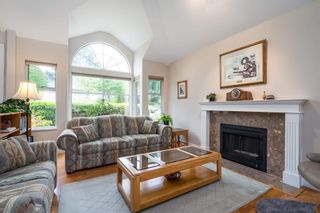 Photo 4: 15329 28A Avenue in Surrey: King George Corridor House for sale (South Surrey White Rock)  : MLS®# R2602714