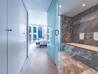 """Photo 15: 2504 1111 ALBERNI Street in Vancouver: West End VW Condo for sale in """"Shangri-La"""" (Vancouver West)  : MLS®# R2602921"""