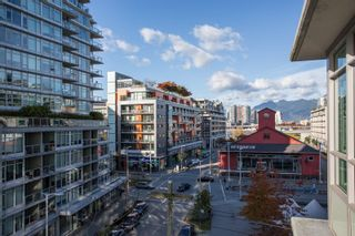 "Photo 25: 606 89 W 2ND Avenue in Vancouver: False Creek Condo for sale in ""Pinnacle Living False Creek"" (Vancouver West)  : MLS®# R2542152"