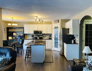 Photo 3: 22 DOUCETTE Place NW: St. Albert House for sale : MLS®# E4241911
