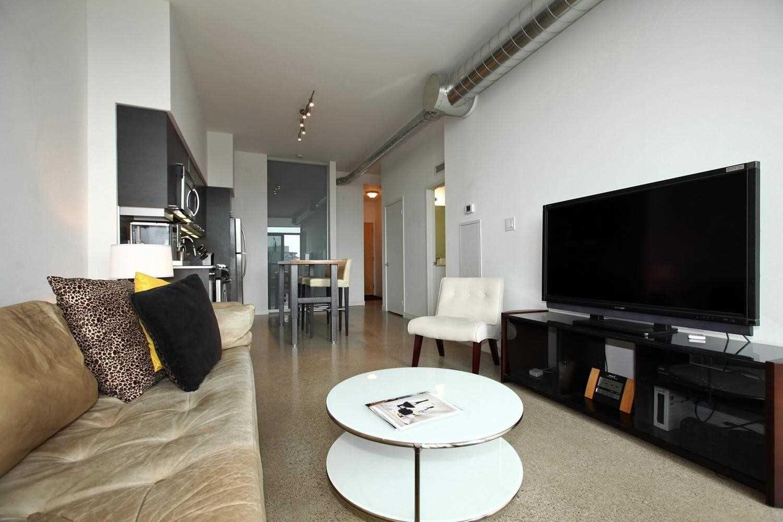 Photo 4: Photos: Ph815 510 E King Street in Toronto: Moss Park Condo for lease (Toronto C08)  : MLS®# C4532633