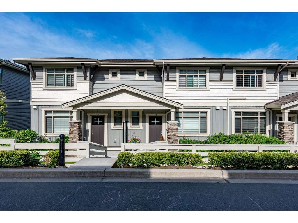 """Main Photo: 24 34230 ELMWOOD Drive in Abbotsford: Central Abbotsford Townhouse for sale in """"Ten Oaks"""" : MLS®# R2466600"""