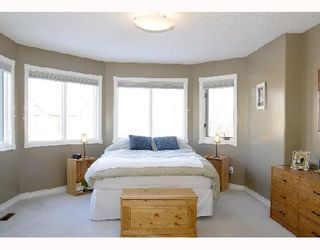 Photo 7: 1829 BROADVIEW Road NW in CALGARY: West Hillhurst Residential Attached for sale (Calgary)  : MLS®# C3305537