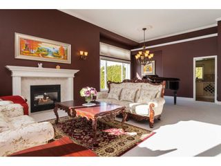 Photo 4: 13873 20A Avenue in Surrey: Elgin Chantrell House for sale (South Surrey White Rock)  : MLS®# R2571112