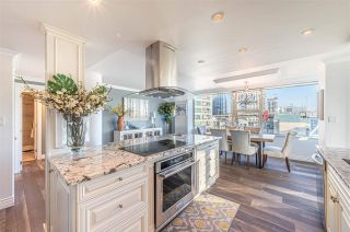 """Photo 9: 1102 1501 HOWE Street in Vancouver: Yaletown Condo for sale in """"888 BEACH"""" (Vancouver West)  : MLS®# R2554101"""