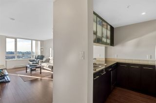 """Photo 11: 1504 3333 CORVETTE Way in Richmond: West Cambie Condo for sale in """"Wall Centre at the Marina"""" : MLS®# R2535983"""