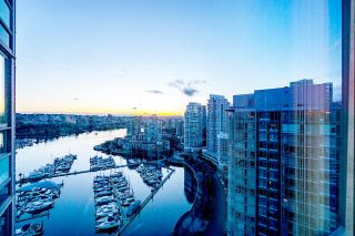 Photo 1: 2808 1033 MARINASIDE CRESCENT in Vancouver: Yaletown Condo for sale (Vancouver West)  : MLS®# R2238067