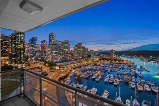 """Main Photo: 1204 323 JERVIS Street in Vancouver: Coal Harbour Condo for sale in """"Escala"""" (Vancouver West)  : MLS®# R2592880"""