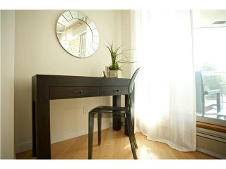 """Photo 13: 3211 33 CHESTERFIELD Place in North Vancouver: Lower Lonsdale Condo for sale in """"HARBOURVIEW PARK"""" : MLS®# V1109655"""